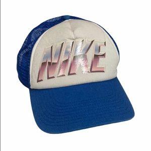 Y2K Nike Trucker 🧢